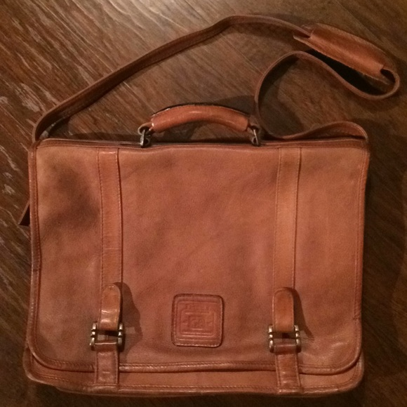 159bc3e582a3 Geoffrey Beene Other - Host pick Geoffrey Beene leather messenger bag